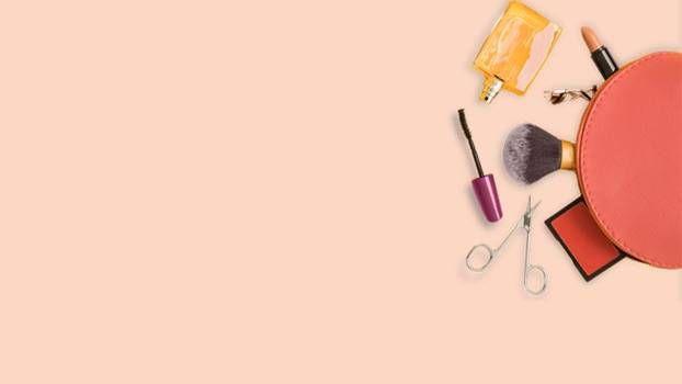 Vor allem im Sommer möchten Frauen auf dicke Make-up-Schichten verzichten und lieber ihre natürliche Seite zeigen. Wir verraten die besten Tipps und ...