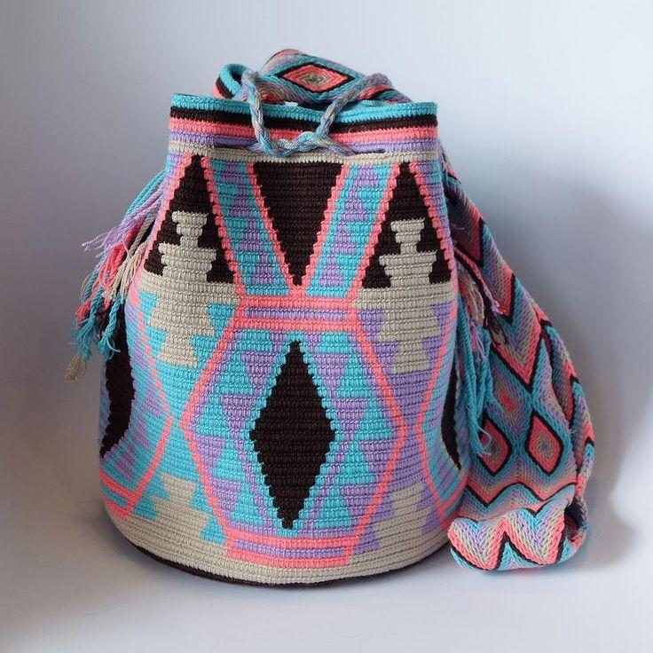 6 отметок «Нравится», 1 комментариев — Wayuu by ma (@wayuu_zi) в Instagram: « Wayuu style . #일상 #wayuu #wayuubags #wayuustyle #wayuubag #신상 #와유백 #칠라백 #모칠라 #맞팔 #소통 #선팔»