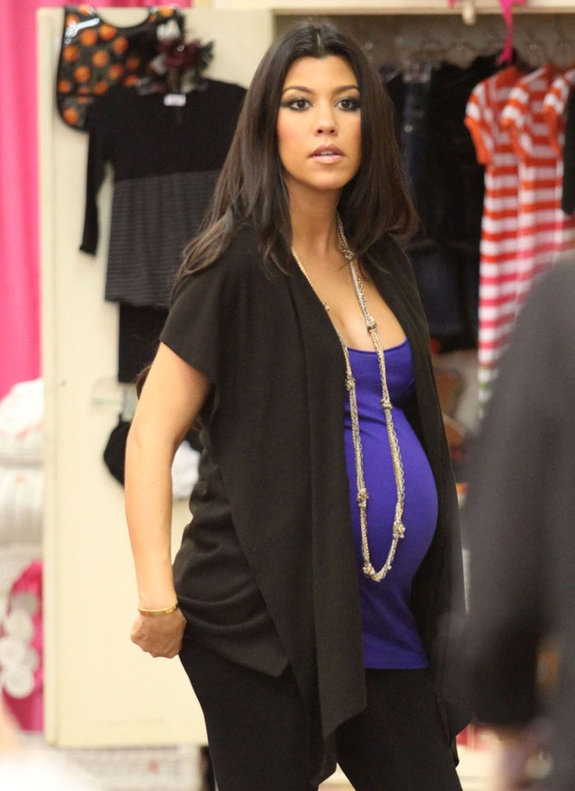 Kourtney Kardashian Dressed In Blue And Black: Maternity ...
