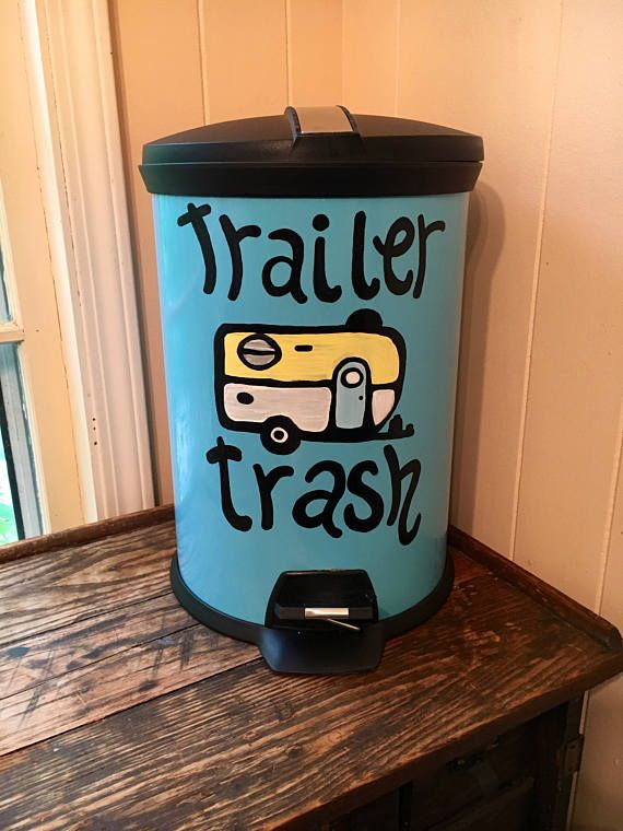 This painted trash can would be a wonderful addition to your camper or RV decor! This would also make a wonderful funny gift! This listing is for a steel trashcan of your size and color choice handpainted with love!  The trash can comes in blue , white, red or black- please specify your color and size at check out :) If you are interested in a different color trashcan, message me and ill see if I can find it.  Customization is welcome! Please let me know if you would like different words or…