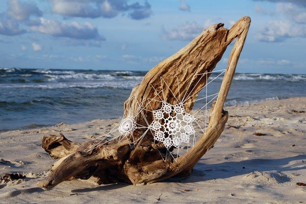 yarnbombing on the beach...