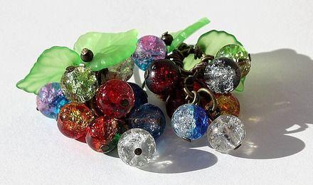 """Boucles d'oreilles bronze en grappe de perles de verre bicolores multicolores et craquées et feuilles en lucite : """"Grappa"""" - Mod 01"""