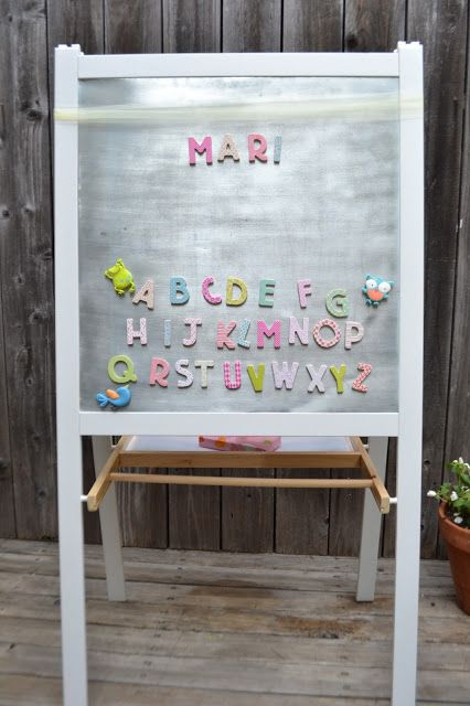 Ikea mala easel hack they painted the frame white and for Magnetic board for kids ikea