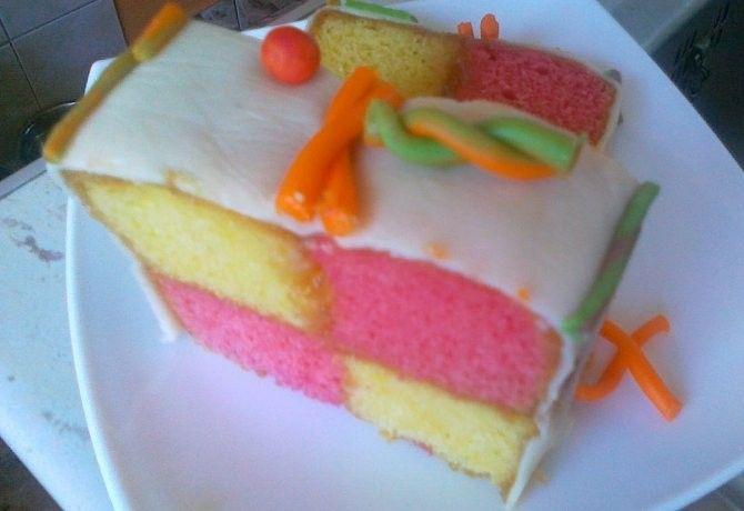Battenberg sütemény recept képpel. Hozzávalók és az elkészítés részletes leírása. A battenberg sütemény elkészítési ideje: 30 perc