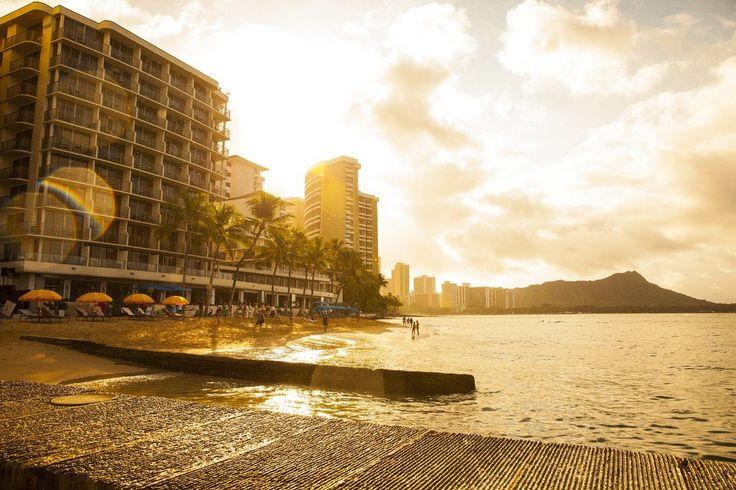 Outrigger Reef Waikiki Beach Resort - beach