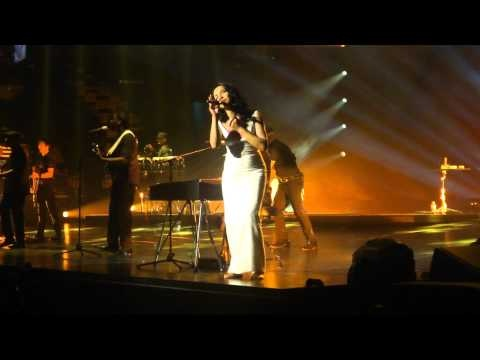 Sade Performs By Your Side In Boston