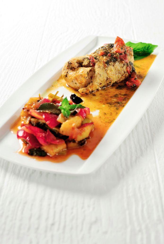 Rolletjes van zwaardvis met caponata van aubergine http://njam.tv/recepten/rolletjes-van-zwaardvis-met-caponata-van-aubergine