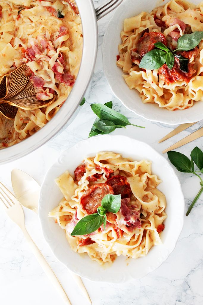 One pot pasta mozzarella, tomates séchées, pancetta