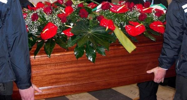 """Funerali a rate: ecco le offerte per """"non piangere due volte"""""""