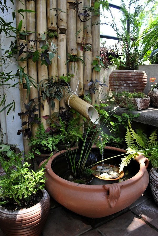 I really enjoy the use of bamboo in gardens. Here bamboo has been recycled for a…