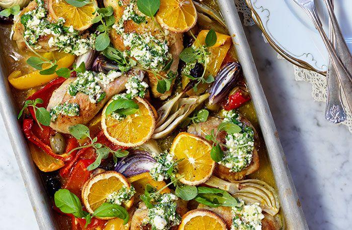 Kyckling i ugn med grönsaker och citrus- och fetaröra