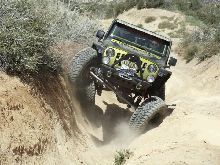 Jeep modified rock crawler! now that looks like fun!