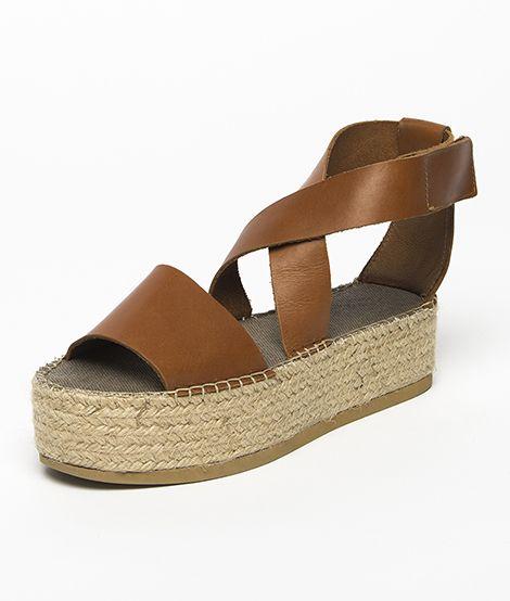 Sandalia plataforma cuero