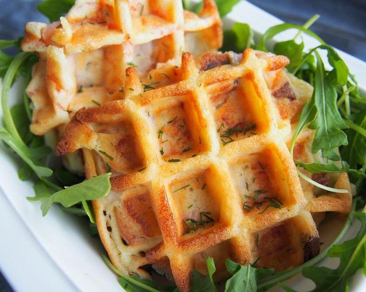 Les gaufres salées (ici version gaufres saumon fumé aneth) : une idée sympa pour un repas du soir, accompagnées d'une petite salade.