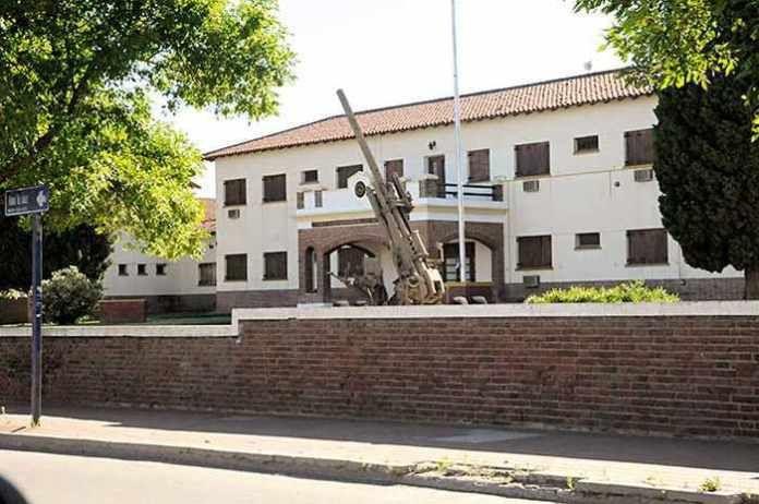 Escuela Hogar a la Gendarmería: Verna desautorizó a Tierno