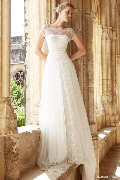 2015 Modest Wedding Dresses With Short Sleeves Bateau Neck Cap Sleeves Lace Tulle Aline Wedding Gown Backless Bridal Dress Sweep Train 2014