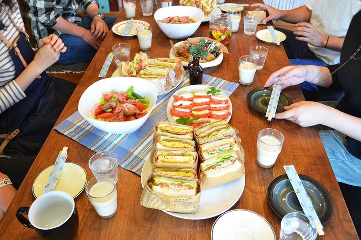 夏野菜のピクルス/夏トマトのインサラータ・カプレーゼ/ヴィシソワーズ(じゃがいもの冷製スープ)/野菜と阿部マヨの具だくさん沼サン、タコさんウィンナーを添えて/濃厚チョコレートとバニラのパルム(買うだけ)/ごちそうさまでした!