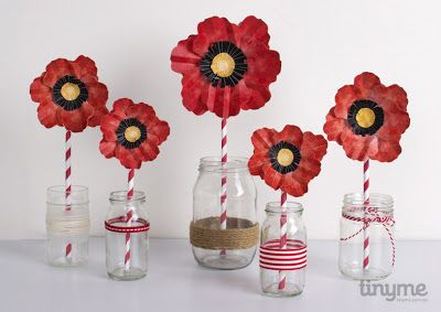 ANZAC Day poppies in bud vases. Free printable from Tinyme.