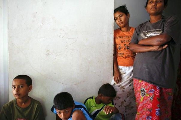 Thai police rescue hundreds of Rohingya (Burmese Refugees) in raid on suspected traffickers' camp January 2014