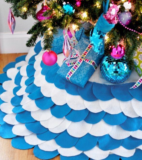 scalloped christmas tree skirt - Blue Christmas Tree Skirt