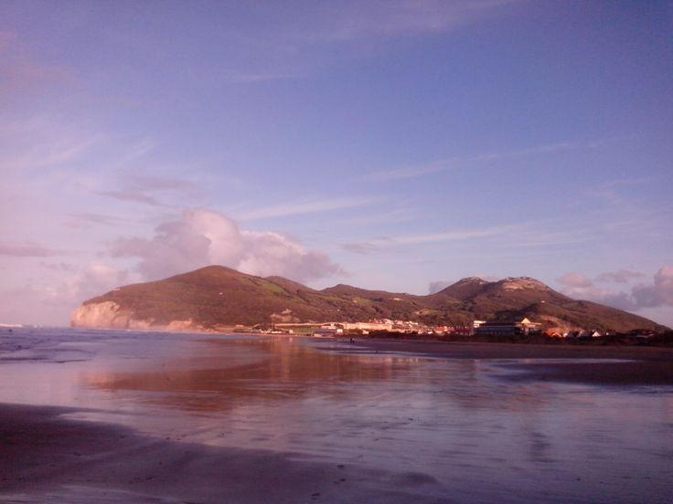 23/03/14: Después de la mañana de lluvias y granizadas así acabamos este domingo en la Playa de Berria, Santoña!