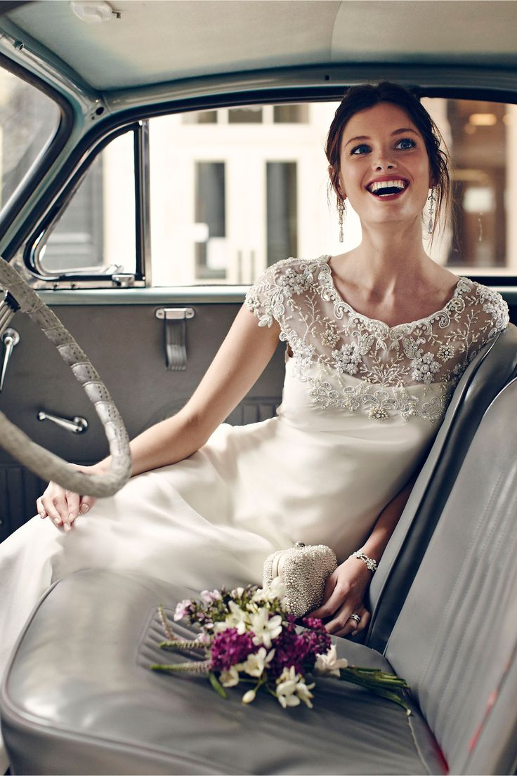 Gorgeous detailing on this wedding gown http://rstyle.me/n/rgnp6n2bn