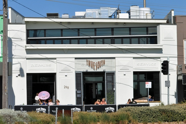 True South is Black Rock's own brewery, restaurant & function centre.  http://www.truesouth.com.au/truesouth-function-events/true-south-weddings