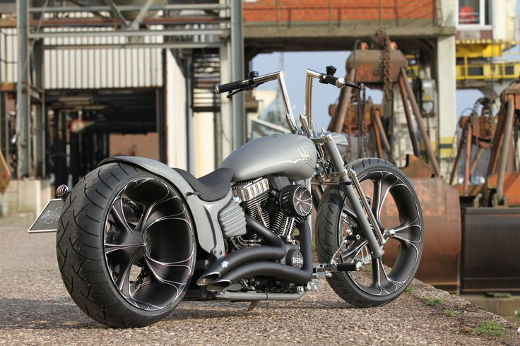 Thunderbike Nickel Rocker (Customized Harley-Davidson Softail Rocker C)