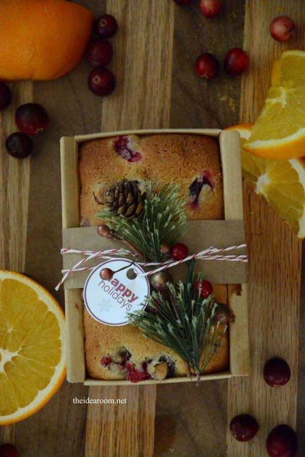 Orange Cranberry Bread Recipe and free printables | theidearoom.net