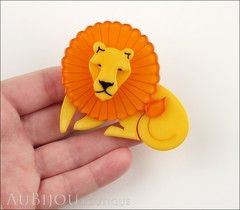 Erstwilder Brooch Pin Len Lion Yellow Orange Model