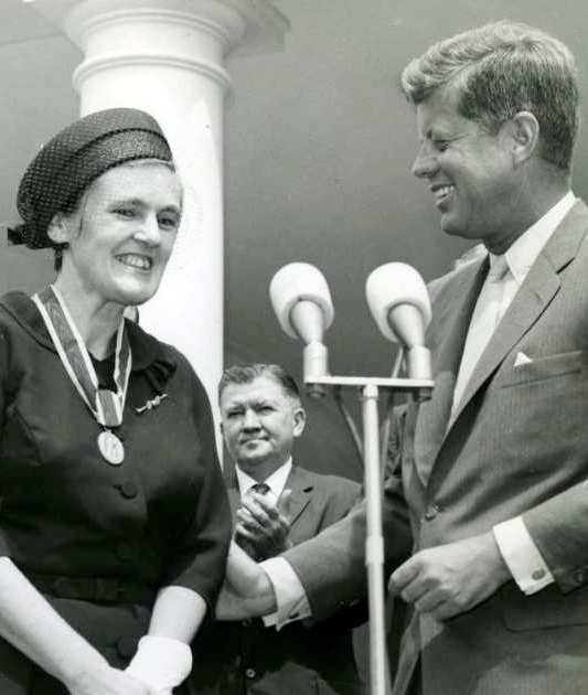 August-16-1962-Dr-Fances-O-Kelsey-,MSc, MD -Canadian-born US  medical-officer-alerted the world about  Thalidomide caused birth defects.  She receives the Presidential Medal from John F. Kennedy.  She was also awarded the Order of Canada at age `102.
