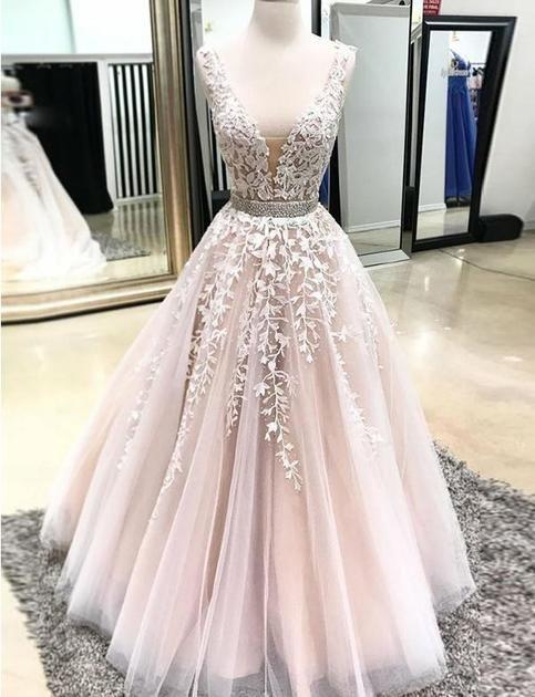 Gorgeous A Line V Neck Prom Dresses Appliques Beading Evening Dresses