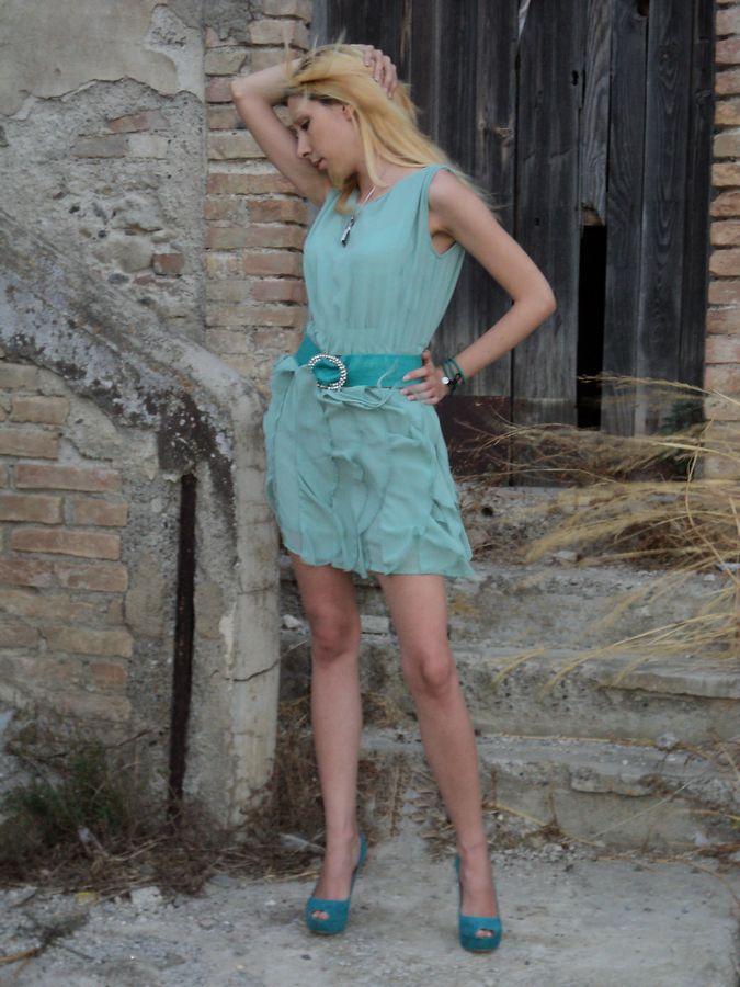 http://tr3ndygirl.com/mint-total-look/   dress @CICHIC #heels @Tata Italia _