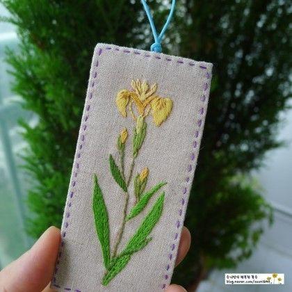 연보랏빛 '붓꽃' 영어이름은 '아이리스 (iris)' , '난초'라 부르기도 하구요 '아이리스'는 그리스 신화에서...