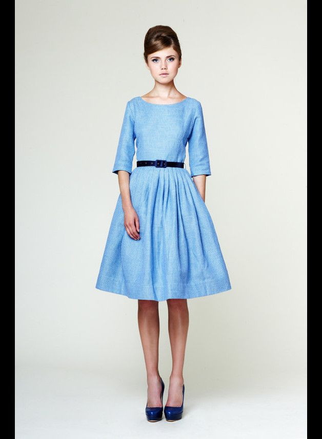 Not every bride has to wear white on her wedding day. This 50's inspired retro chic wedding dress is sky blue! The dress style of the 50s is incomparable to any other decade. This elegant dress is...