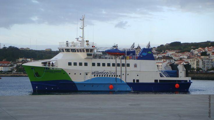 """Atlanticoline A Atlânticoline, criada em 2005, começou por prestar serviços com o navio """"Ilha Azul"""", posteriormente com o """"Express Santorini"""", e na operação 2009 com o navio """"Viking"""". Este último, um HSC (High Speed Craft) que veio trazer melhorias significativas ao nível do conforto e serviço prestado aos pas... http://hernanicardoso.pt/viagem/atlanticoline/"""