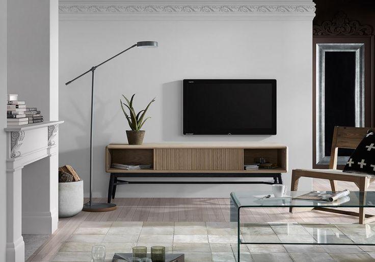 TV-benk fra kolleksjon HENDRIX Du finner mer fra denne kolleksjonen på: www.mirame.no  Du kan se hele kolleksjon HENDRIX her:  http://mirame.no/catalogsearch/result/?cat=&q=Hendrix #kommode #tv-benk #tv-bord #stue #soverom #tvstue #gang #bad #innredning #møbler #norskehjem #mirame #pris  #interior #interiør #design #nordiskehjem #vakrehjem #nordiskdesign  #oslo #norge #norsk #speilbilde #tre  #rom123 #hendrix