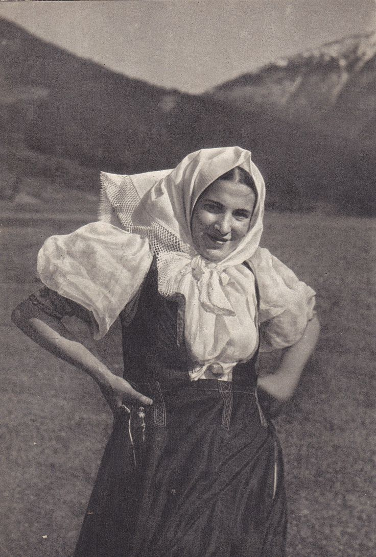 Terchovský ženský kroj - Slovensko
