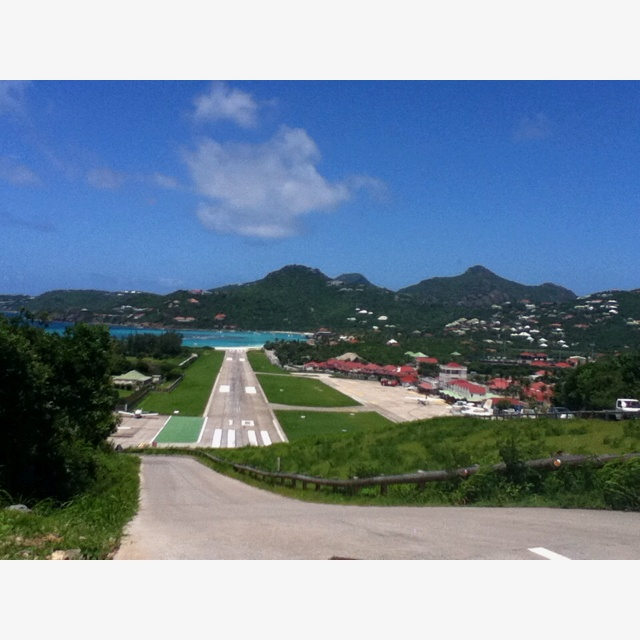 St Barths very short runway. . .ready?