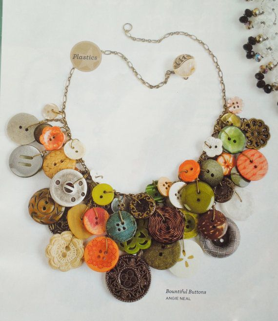 Botones abundante collar Vintage botón por hangingbyathread1