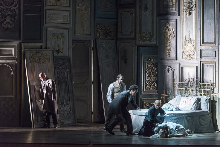 Iordache Basalic (Giorgio Germont), Iustinian Zetea (Doctorul Grenvil), Lucian Corchiş (Alfredo), Cristina Eremia (Annina) şi Siphiwe McKenzie (Violetta)
