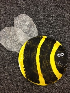 preschool bumble bee craft---could traces lines and then use fingertips to make the stripes