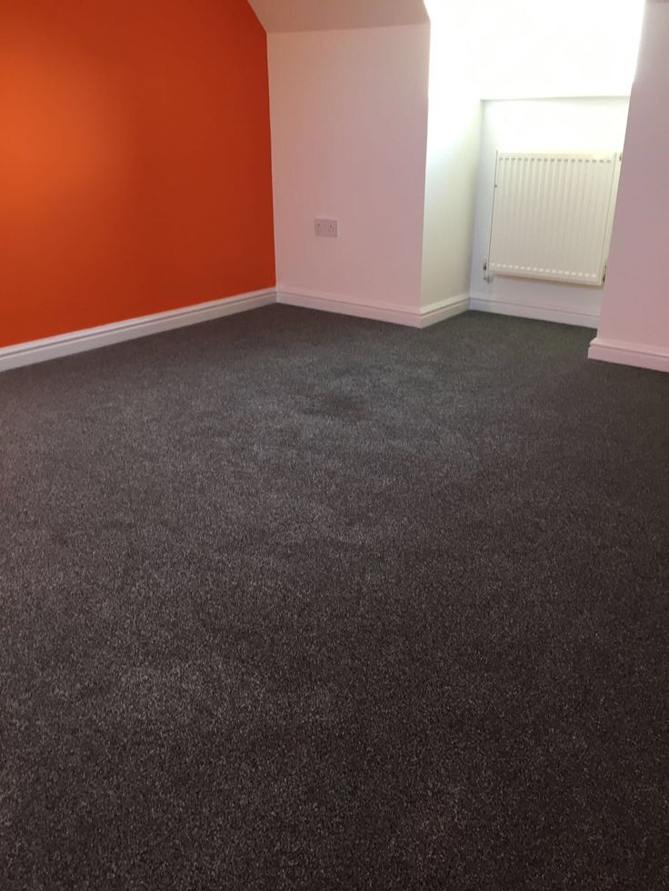 A splash of colour teamed with Luxurious Twist #greycarpet it looks amazing! FREE estimates available from #Thetford #Carpet Warehouse.