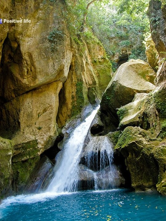 Bassin Bleu waterfalls, Haiti