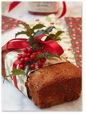 Cranberry Orange Bread   *Love the way it's decorated for gift giving...not just for Christmas, but any gift giving. Great idea