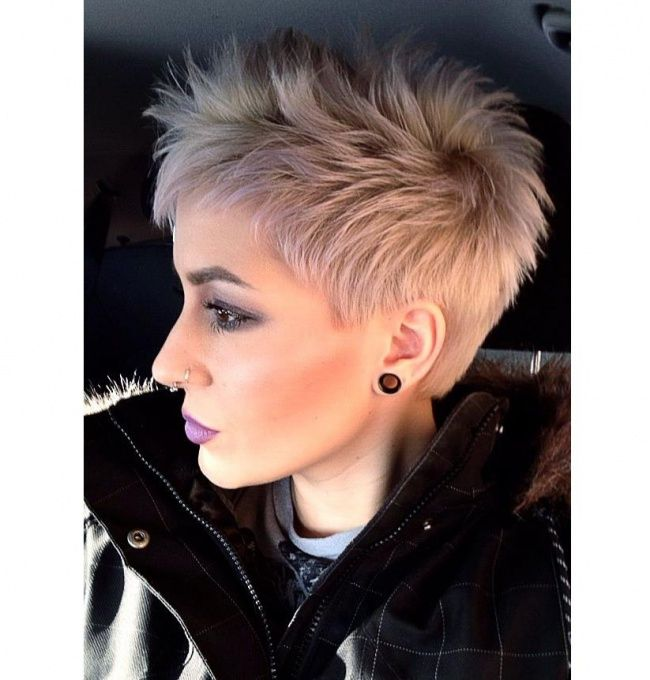 Krótkie fryzury dla kobiet 40+: z grzywką, pixie cut. Te fryzury cię odmłodzą! - Strona 6