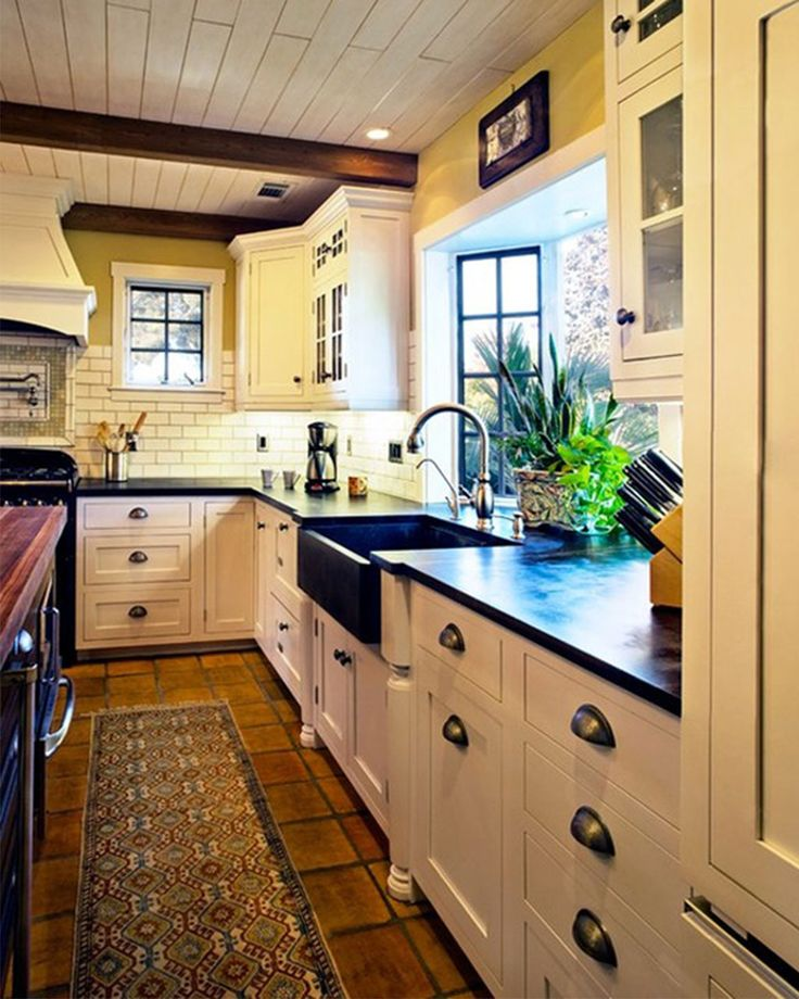 New Trends To Create A Marvelous Kitchen For Your Wonderful House: Elegant  Runner Rug And Black Apron Sink Feat Bay Window With Planters Plus New  Trendy ...