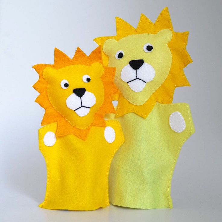 Hi, I'm lion the king and this is my little son. We like playing with kids and their parents. Discover with us the world.  Enjoy!