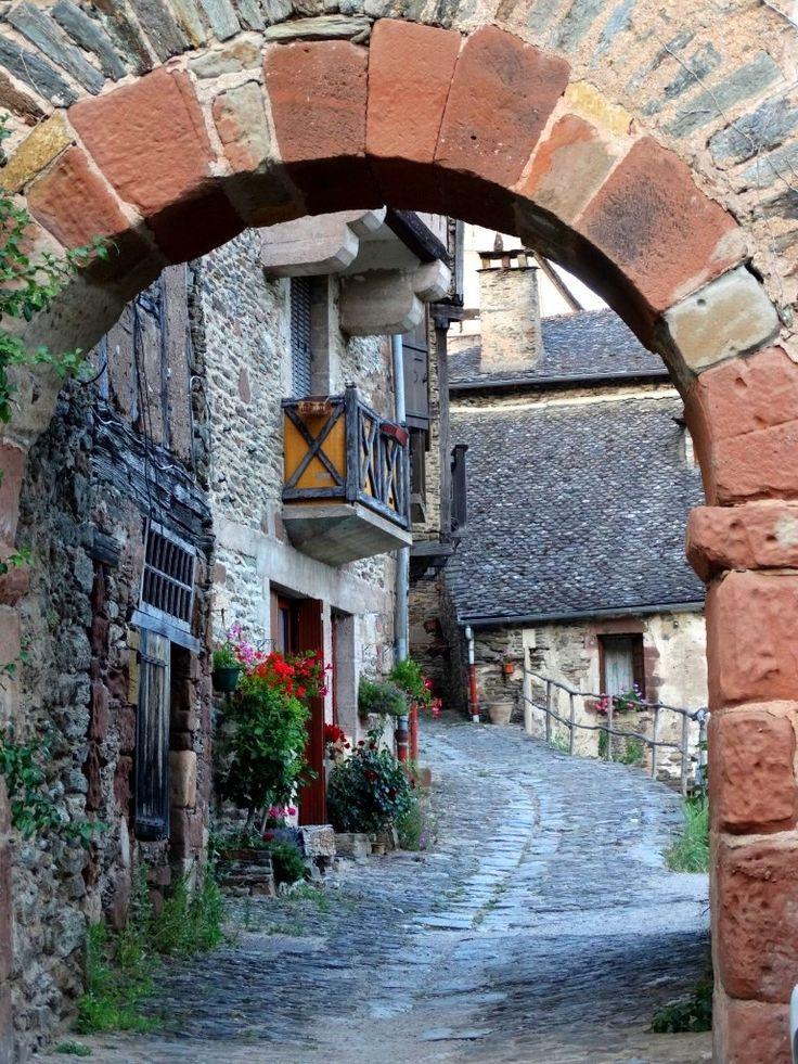 Rue de Conques Chemin de Compostelle