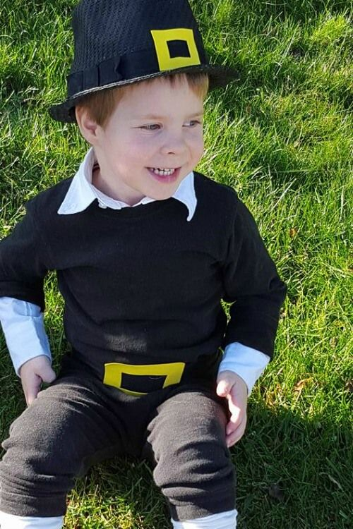 This easy diy pilgrim costume can be pulled together in minutes with items you already have around your house.